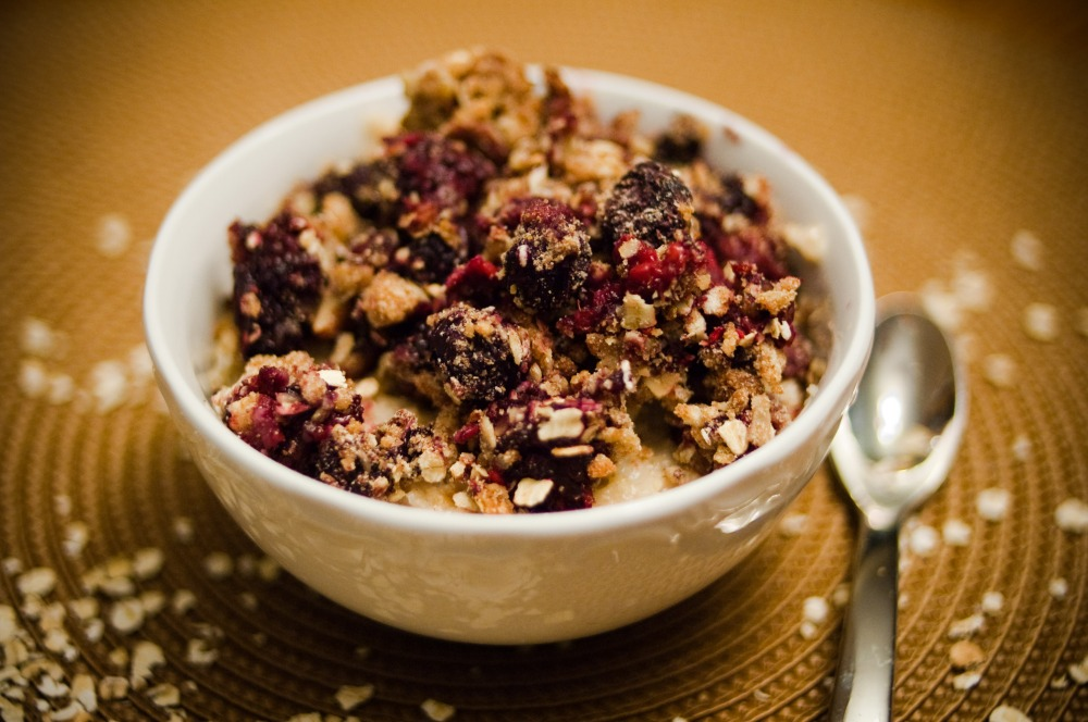 Easy Oaty Berry Crumble